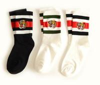 gestreifte baumwolle großhandel-Männer und Frauen Designer Socken Tigerkopf bestickte gestreifte Jacquard Unisex-Baumwoll-Sportsocken