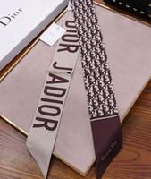embalaje de seda al por mayor-Venta al por mayor corbata de seda moda hombres y mujeres de seda banda de pelo bufanda de la marca de embalaje decoración pequeña cinta impresa bufanda de seda