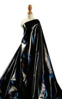 stoffcharme verkauf großhandel-Schwarzes Licht weich wasserdicht Laser beschichtete Metall Daunenjacke PU Leder Stoff DIY Heimtextilien Patch Baumwollstoff Hochzeit Stoff C567