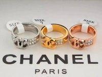grandes anillos de moda al por mayor-Venta caliente 316L Titanio Acero Moda Big G Anillo con 3 colores mujeres y hombre diseño letra C CZ anillo de diamantes Joyas
