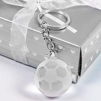 ingrosso ciondolo cestino-Nuovo 30mm sfera rotonda portachiavi 3D sfera di cristallo ciondolo portachiavi auto calcio basket terra pendente portachiavi sportivo regalo