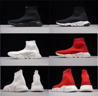 descuento vestido de zapatos al por mayor-Descuento de la marca 2019 Zapatos de calcetines Chaussures Diseñador de moda de lujo Zapatos rojos Zapatos Blanco Vestido negro Zapatillas de deporte de lujo Hombres Mujeres Zapatos casuales