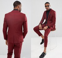 Wholesale royal blue groomsmen suit online - Handsome Burgundy One Button Mens Suits Slim Fit Vent Groomsmen Wedding Tuxedos For Men Blazers Peaked Lapel Prom Suit Jacket Pant Tie
