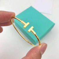 mode armbänder frau großhandel-Haben Stempel Beliebte Modemarke T Designer Armband für Dame Design Frauen Party Hochzeit Liebhaber Geschenk Luxus Schmuck mit für die Braut