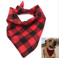ingrosso sciarpa rossa del collo-Red Tartan Dog Triangluar Bandana Inverno Pet Sciarpa Calda Cuccioli Cat Sciarpe Plaid Fazzoletto da collo Accessori per cani Regali di Capodanno