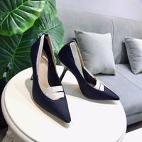 бесплатная доставка обувь италия оптовых-Италия дизайнер кожа плоские сандалии с пчелой боути женская обувь тапочки EU35-41 бесплатная доставка ks19042802