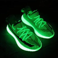 erkek x toptan satış-2019 V2 Kanye West Gerçek Formu Hiper Uzay Kil Statik Erkek Koşu Ayakkabıları Beluga 2.0 Krem Stok X Kadınlar Tasarımcı Spor Sneakers kutu