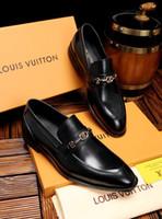 ingrosso scarpe abiti formali-18ss New Hot Italian Famous Brands Top in pelle traspirante nero da sposa Scarpe formali da ufficio Scarpe da uomo Scarpa in pelle