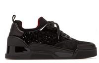 zapatos casuales de corte medio al por mayor-Italia Diseñador Zapatillas de deporte inferiores rojas Deportes ocasionales Hombres Zapatos planos Corte medio Aurelien reluciente Zapatillas de ante de terciopelo y ante 2019 New Arrive