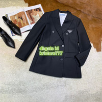 abrigo de mujer a medida al por mayor-Milan mujeres niñas vintage breve chaqueta a medida abrigo icónico triángulo logo prendas de vestir exteriores la chaqueta de abrigo de diseñador de lujo de moda personalizada