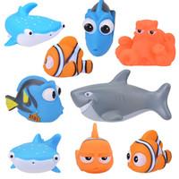 spielzeug plastik bananen großhandel-Cartoon Charakter Weichplastik Baby Badespielzeug Quetscht das Wasserspray Spielzeug Machen Badespaß für Kinder.