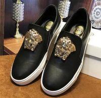 ingrosso marche coreane scarpe uomini-Scarpe casual di marca estate nuove scarpe di tendenza sneaker versione coreana scarpe da uomo in pelle moda low-top, scarpe casual, scarpe da trekking n64
