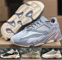 mesh material schuhe großhandel-Top Materialien Kanye West 700 V2 Trägheit Grau Orange Statische 3 Mt Reflektierende Mauve Sneakers Mit Box Designer Männer Frauen laufschuhe