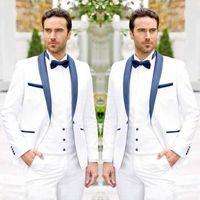 damat takım elbise tasarımları toptan satış-Trendy Tasarım Bir Düğme Beyaz Damat Smokin Groomsmen Şal Yaka Best Man Takım Elbise Erkek Düğün Takımları (Ceket + Pantolon + Yelek + Kravat)