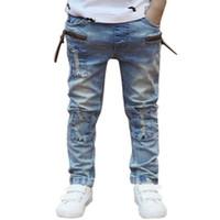 ingrosso patch dei ragazzi dei pantaloni-Pantalone bambino ragazzi pantaloni Cool Hole Patch jeans bambino denim pantaloni lunghi pantaloni per bambini 2-7 anni