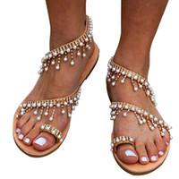 boncuklu yassı ayakkabılar toptan satış-WISSTT Boho Boncuklu Kadın Sandalet 2019 Sıcak Yaz Bohemia Inci Düz Bayan Plaj Gladyatör Ayakkabı