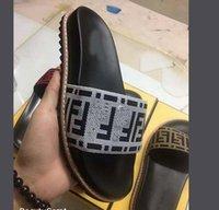 yeni moda terlik erkekler toptan satış-kutu Ø22 ile 2019 yeni Erkekler Kadınlar Sandalet Ayakkabı Lüks Slayt Yaz Moda Geniş Düz Kaygan ile Kalın Sandalet Terlik kaliteli