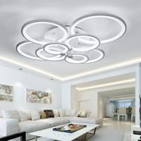 ingrosso lampadario da pranzo nero-WhiteBlack Modern LED Lampadario per soggiorno Camera da letto Sala da pranzo Apparecchi Anelli in acrilico Plafoniere a soffitto con lampadari