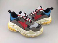 soled schuhe kinder großhandel-Mit Box Kids Triple S Sneakers für Jungen Designer Schuhe Mädchen Plattform Kind Sport Kinder Chaussures Teenager Dickbesohlte Jugend