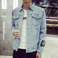 más el tamaño de chaquetas de jean azul al por mayor-Chaqueta de mezclilla para hombre de primavera Vaqueros azules de moda de manga larga Chaquetas Slim Streetwear Casual Vintage Jean Ropa para hombre Tallas grandes M-5XL
