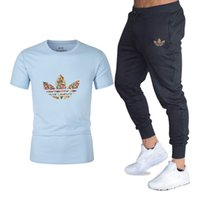 высокое качество tshirt оптовых-Men Fashion Two Pieces Sets T Shirts+pants Suit Men Summer Tops Tees Fashion  Print Tshirt High Quality Sportswears 2 Sets