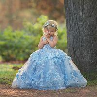 mavi çapraz elbise toptan satış-Modern Düğün Organze 2019 Sky Blue Yeni Özel Made prenses Uzun Çocuklar El Yapımı Çiçek Kız Elbise Balo Kat Uzunluk Criss Çapraz