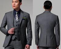 costume homme gris foncé achat en gros de-Custom Made 2019 Smokings gris clair avec deux boutons gris avec le revers cranté Meilleur costumes pour hommes Costumes de garçons d'honneur costumes de mariage pour hommes