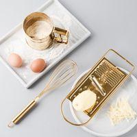 tamiz en polvo al por mayor-Juego de herramientas para hornear de cocina creativa Acero inoxidable dorado Batidor de huevos Tamiz Tamiz Taza para hornear Pastelería Utensilios para hornear