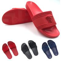 chaussures casual pour hommes pour l'été achat en gros de-2019 réaction de chaîne été designer bascule flop femmes pantoufles diapositive rouge luxe sandales plage en plein air mens casual chaussures taille 36-45