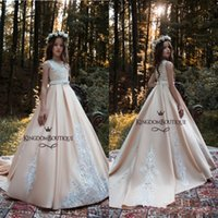 Wholesale wedding dress red pink flowers girl resale online - Blush Pink Flower Girl Dresses Princess A Line Kids Formal Wear Gowns Appliqued Sweep Train with Sash Girl Pageant Gowns