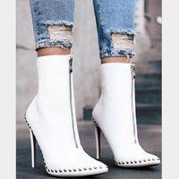 bottes à talon haut achat en gros de-Bottes à la cheville maigres à la mode pour femmes avec rivets Zip Up Stiletto Talons en cuir à bout pointu bottines