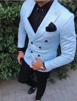 tuxedo besten mann blau großhandel-Bräutigam Smoking zweireihiger Light Blue Spitze Revers Groomsmen Bester Mann Anzug Herren Hochzeitsanzüge (Jacket + Pants)