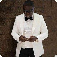 men ivory vest 도매-인기 아이보리 신랑 턱시도 피크 옷깃 Groomsman 웨딩 3 피스 양복 패션 남성 비즈니스 댄스 파티 재킷 재킷 (자켓 + 바지 + 타이 + 조끼) 2601