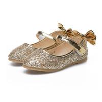 tecido de dança de lantejoulas venda por atacado-Meninas de Prata ouro Sapatos de Couro PU Sandálias Glitter Tecido De Lantejoulas Crianças Sapatos Arco Princesas Crianças Vestido de Menina Dança Novo