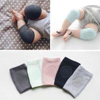 almofadas de rastreamento de bebê venda por atacado-Malha macia do bebê aquecedores de perna criança crianças protetor de joelheira antiderrapante dispensar segurança rastejando bem joelheiras polainas para criança