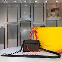 Wholesale elegant leather handbags for sale - Group buy Printing with contrast resin chain belt The shape is exquisite This charming handbag Angular and elegant