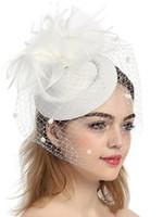 kadınlar büyüleyici şapkalar toptan satış-Zarif Kadın Beyaz Siyah Fascinator Şapkalar 5 Renkler Düğün Gelin Kilisesi Çiçekler Tüy Net Dantel Eoupean Stil Sinamany Kentucky Derby Şapka