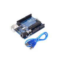junta de desarrollo usb al por mayor-Placa de desarrollo UNO R3 ATmega328P para Arduino DIY KIT con cabezal de clavija recta con cable USB