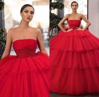 Elegante Vermelho Sem Alças Em Camadas Vestidos Quinceanera 2020 Bordado Frisado Applique Vestido De Baile Cascading Ruffles Partido Vestidos De