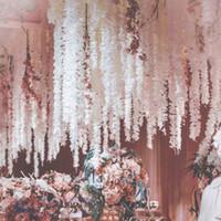 suni orkide ipek çiçekler toptan satış-Fotoğraf Dikmeler EEA672 Atış İpek Çiçek Eşsiz Tasarım Düğün Backdrop Dekorasyon Orkide Çiçek İpek Wisteria Vine Beyaz Yapay Çelenkler