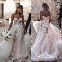 fildişi süslü bohem elbise toptan satış-Şık Bohemian Beach Gelinlik 2020 3D-Çiçek Aplike Dantel Sevgiliye Beyaz Fildişi A Hattı Uzun Boho Gelin Modelleri Abiye