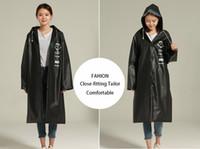 équipement de vêtements de plein air achat en gros de-Longs poncho imperméables noirs en EVA imperméables pour la pluie extérieure Vêtements de pluie à la mode femmes hommes