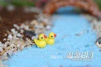 ingrosso miniature di giardino fiabesco-Fairy Garden Miniature Anatra gialla resina artigianato bonsai decorazioni fai da te nuoto anatra 1.8 * 1.5cm Piccole decorazioni gialle di anatra