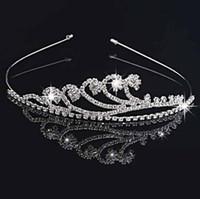 kızlar doğum günü tiaraları toptan satış-El yapımı Sevimli Gümüş Düğün Gelin Kristal Taç Tiaras sparkly düğün parti doğum günü Güzel Hediye Çiçek Kız 11.7 * 3 CM