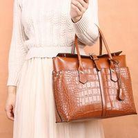 moda çanta ünlü marka toptan satış-Sıcak marka bayanlar high-end çanta Avrupa ve Amerikan timsah evrak çantaları Moda ünlü omuzlar büyük çanta Ücretsiz kargo