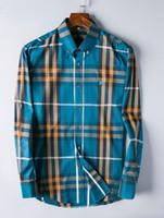 marka uzun kollu gömlek erkek çizgili toptan satış-19ss Yeni Sıcak stil ünlü marka ince erkekler ekose gömlek, moda tasarımcısı marka uzun kollu pamuklu casual gömlek şerit adam gömlek BURB