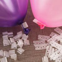 atar globos al por mayor-Globo Clip Lazos 100 piezas 1lot para el sellado de gas helio globos de aire Para las herramientas de globo de la decoración de Navidad del banquete de boda LJJK1952