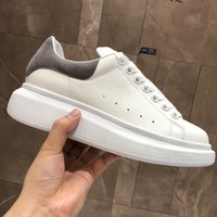 Wholesale logo genuine resale online - Luxury Mens Casual Shoes Lace Up Designer Comfort Pretty Girl Women Sneakers Casual Leather Shoes Men Womens Trainers NEW LOGO
