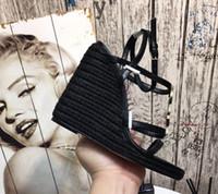 ingrosso pattini di vestito di cuoio superiori-Piattaforma di alta qualità con zeppa in paglia stile lettera Sandali Scarpe Sandali in pelle verniciata da donna Designer Scarpe casual Tacchi alti Scarpe eleganti