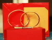 pulseiras de ouro para casais venda por atacado-Pulseiras de amor de aço de titânio prata rosa pulseiras de ouro mulheres homens parafuso chave de fenda pulseira casal jóias com caixa de conjunto